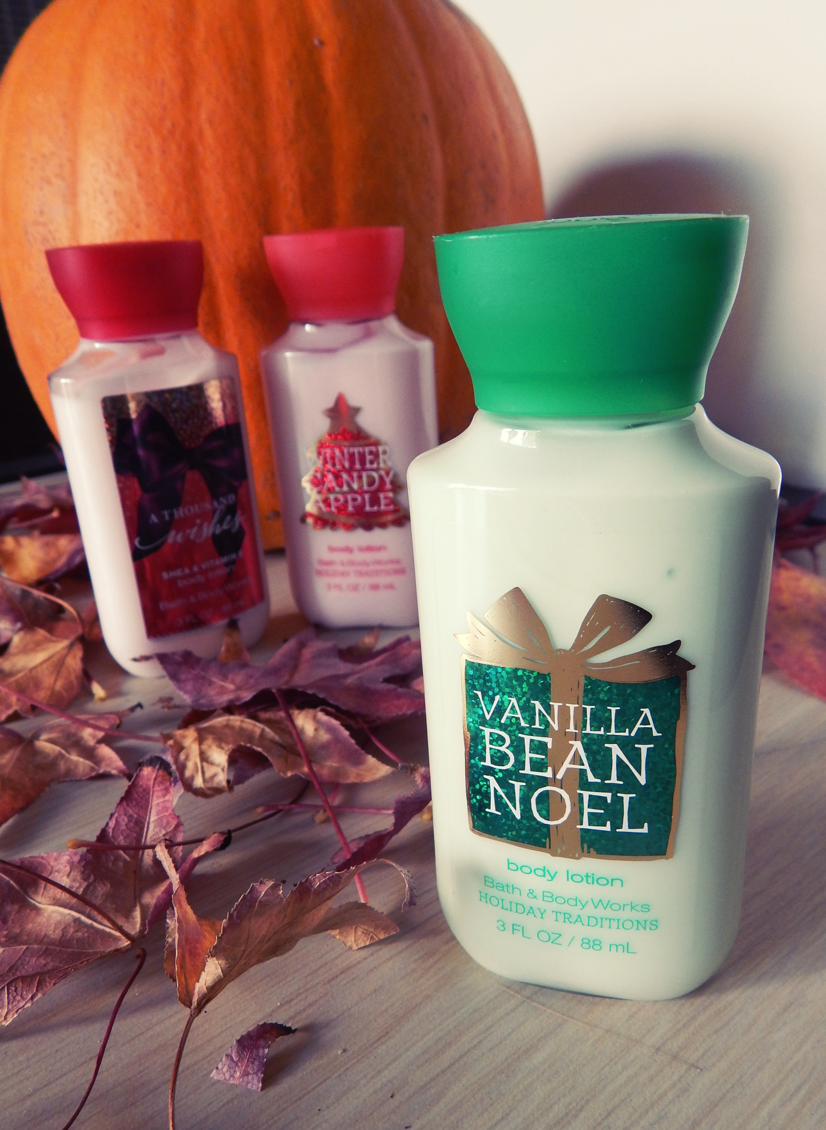 Bath and body works holiday scents - A Thousand Wishes This Scent Is Hard To Describe But It Smells Delicious It S Very Fresh And Almost Fruity Like Update I Looked Up The Ingredients And